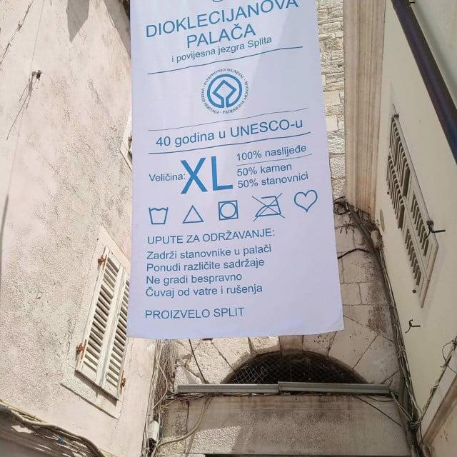 Jedna od nagrađenih XL etiketa Stjepka Rošina s uputama za pranje i čuvanje baštine<br />