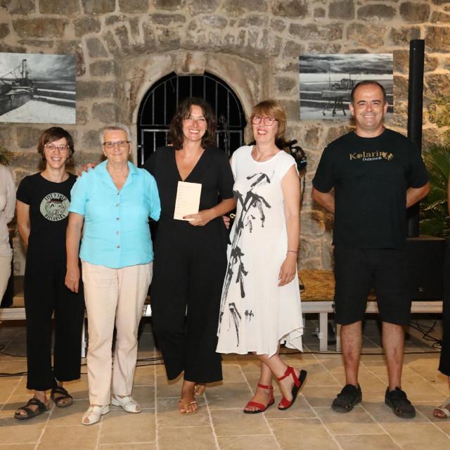 Ines Miljan Popović, Lucijana Pendo, Lucija Kovačević, Staša Aras, Vesna Barišić, Ante-Tonći Đurković i Nastasja Špilj