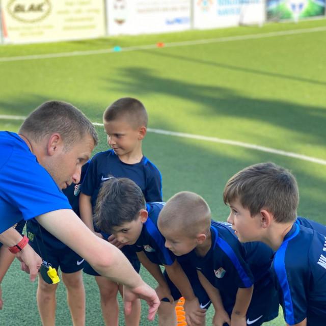 Nogometni klub Zadarnova slavi prvi rođendan.
