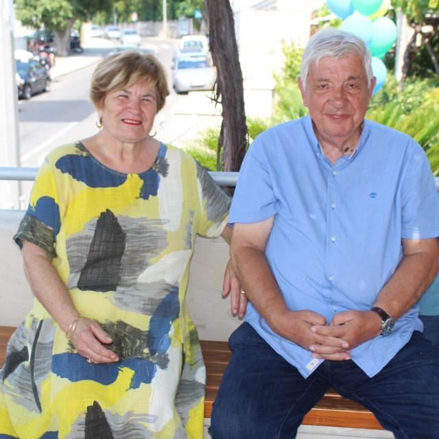 Supružnici Jelicai Miho Zvone smjelo su 1990. godine pokrenuli obiteljsku trgovinu