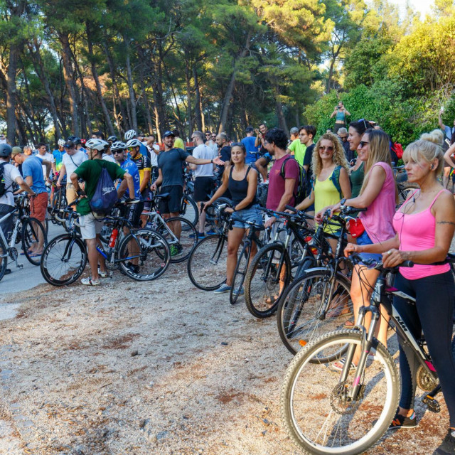 'Gledajući snimke sa subotnjeg skupa na Marjanu, biciklisti su bili istaknuti u prvi plan, što nije usluga borbi protiv agresivnog prometa u zaštićenom području'