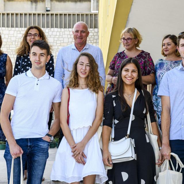 Župan Goran Pauk primio je najbolje maturante iz županije<br />
