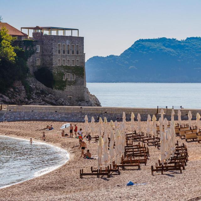 Poluprazne plaže na Sv. Stefanu
