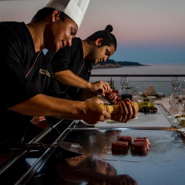 Dubrovačka gourmet scena bogatija je za novi azijski Umi Teppanyaki restoran koji će sve posjetitelje upoznati s novom dimenzijom gastronomije – umami okusom