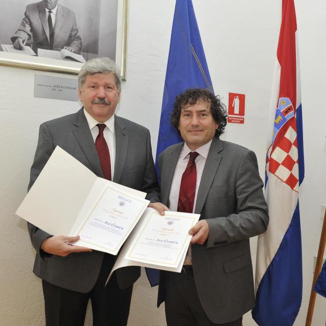 Universitas dodjela priznanja prof. Čizmić PRAVST