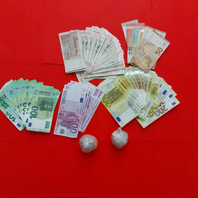 Heroin i novac zaplijenjeni u Arbanasima