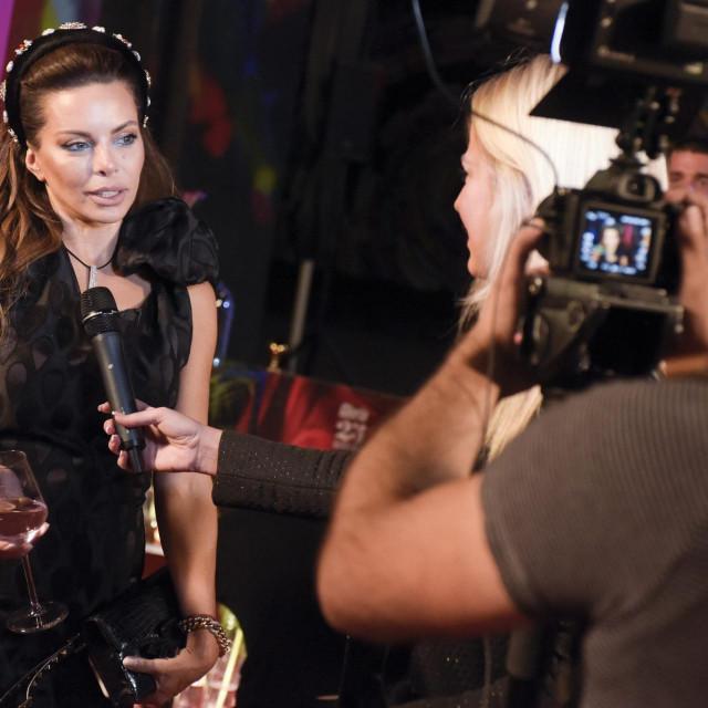 Nikolina snimljena na svečanosti u povodu 25. godišnjice izlaženja Glorije