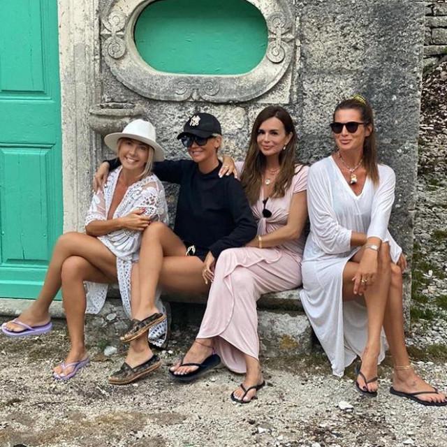 Maja Šuput, Severina i Iva Radić uživaju na Korčuli