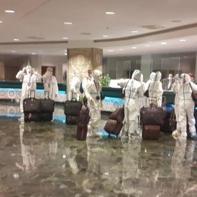 Posada kineskog aviona koji je doveo radnike Pelješkog mosta na recepciji hotela Criatia u Cavtatu