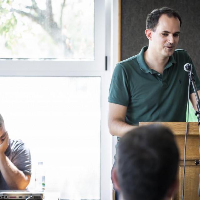 Prizor s lanjskog saboru u Drinovcima - za govornicom je ministar Ivan Malenica