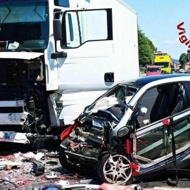 Iako su je helikopterom brzo transportirali u Treviso, mladoj Hrvatici tamošnji liječninci nisu mogli spasiti život
