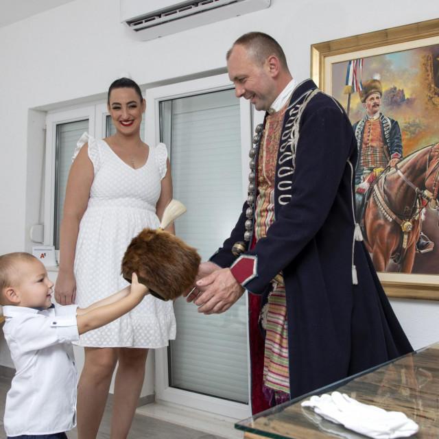 Posljednjepripreme za Alku uz sina Pavu i suprugu Luciju