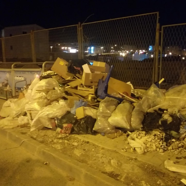 Gomile otpada već tjednima bilježimo na istom mjestu