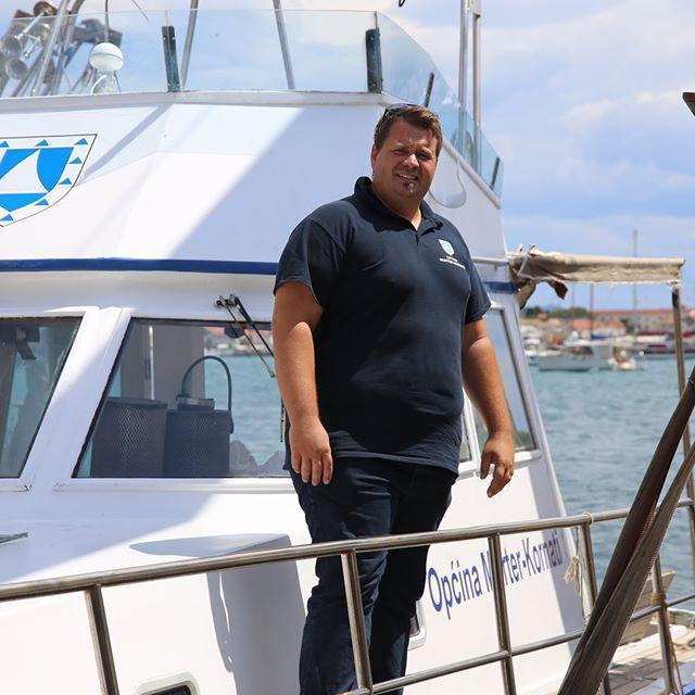 Načelnik Toni Turčinov na palubi 'Lavse' u marini Hramina<br />