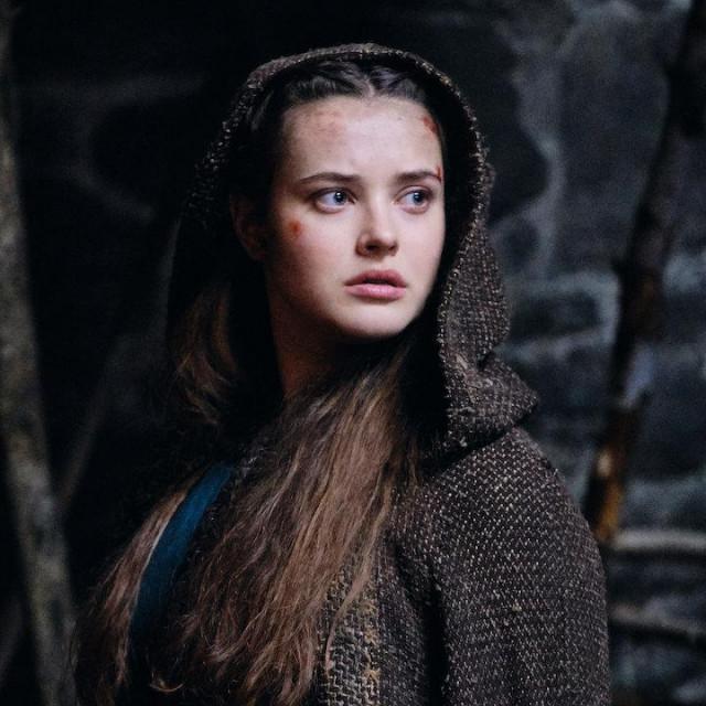 Netflixov serijal Cursed feministička je potraga za Excaliburom i magom Merlinom