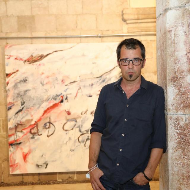 """U atriju palače Sponza otvorena je izložba """"Time Out"""" Viktora Daldona"""