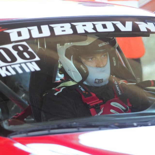 Nikola KItin, član Ragusa Racinga, na startu međunarodne auto brdske utrke, 23. Nagrade Malačka Sveti Dujam foto: Tonči Vlašić