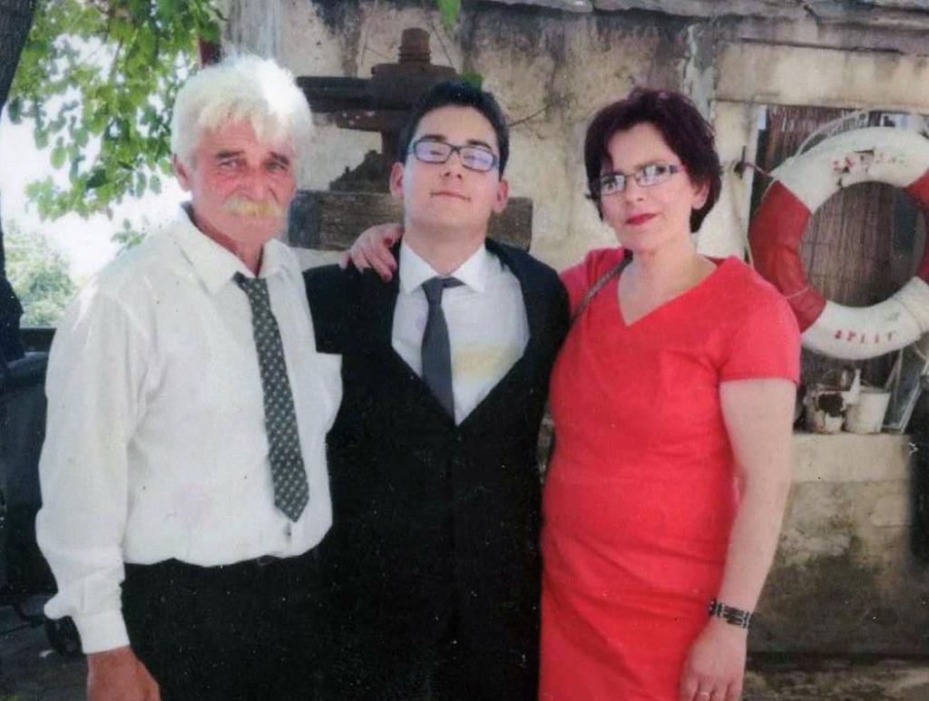 Kristian za života, s majkom Kristinom i ocem Stipanom Vukasovićem