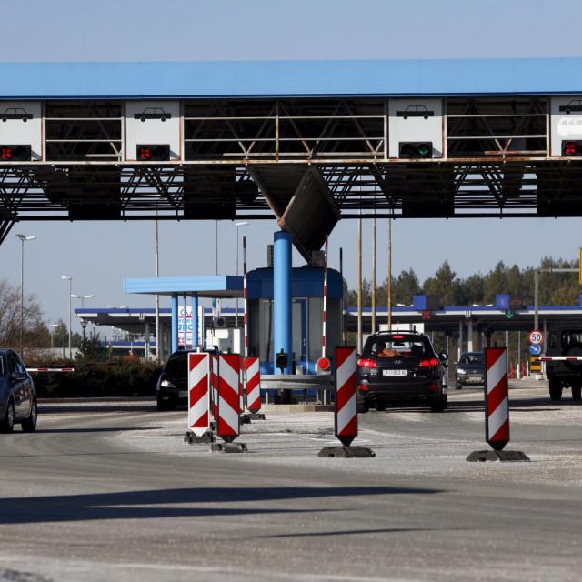 Granični prijelaz između Hrvatske i Slovenije - izvozimo li virus u zemlje iz kojih nam dolaze turisti?