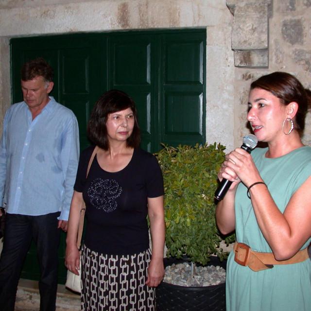 Božo Majstorović, Iris Slade i Marija Plenković na otvaranju izložbe<br />