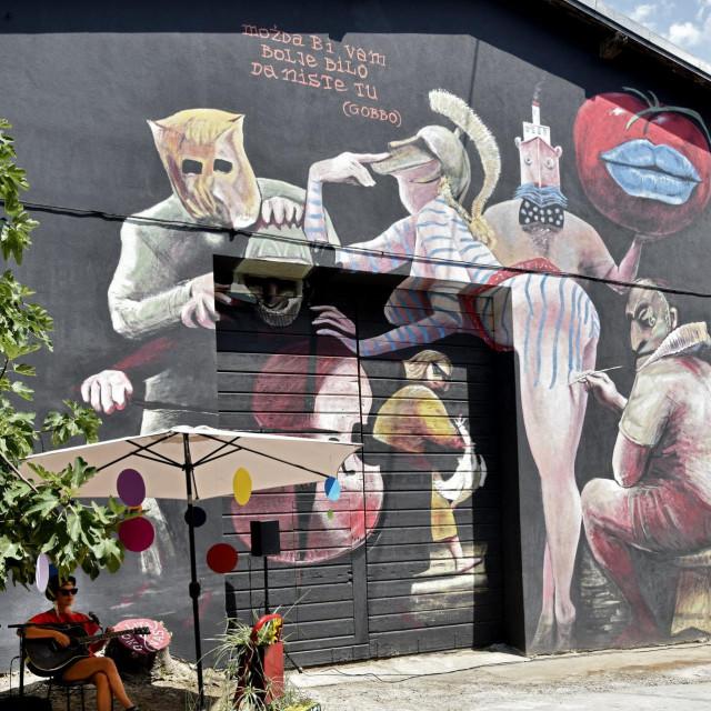 Mural koji su na temelju ilustracije Alema Ćurina izradili umjetnici Luka Duplančić i Ivan Svaguša<br />