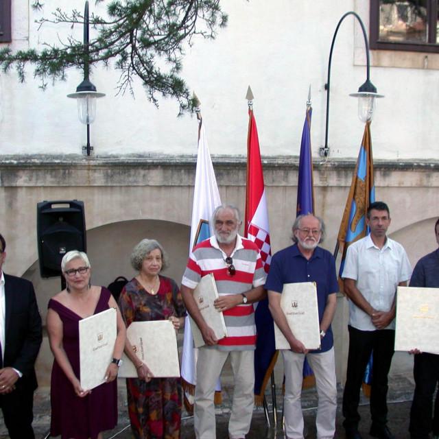 Laureati ovogodišnjih nagrada Grada u društvu lokalnih čelnika