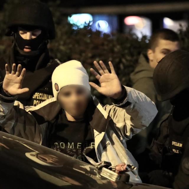 Stanislav Zavadlav – na slici prilikom privođenja na dan bratova zločina – napadnut je pet dana nakon toga