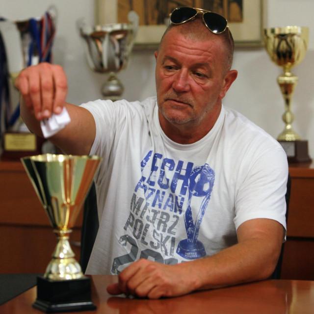 Ždrijeb - Neven Tomičić, povjerenik natjecanja foto: Tonči Vlašić