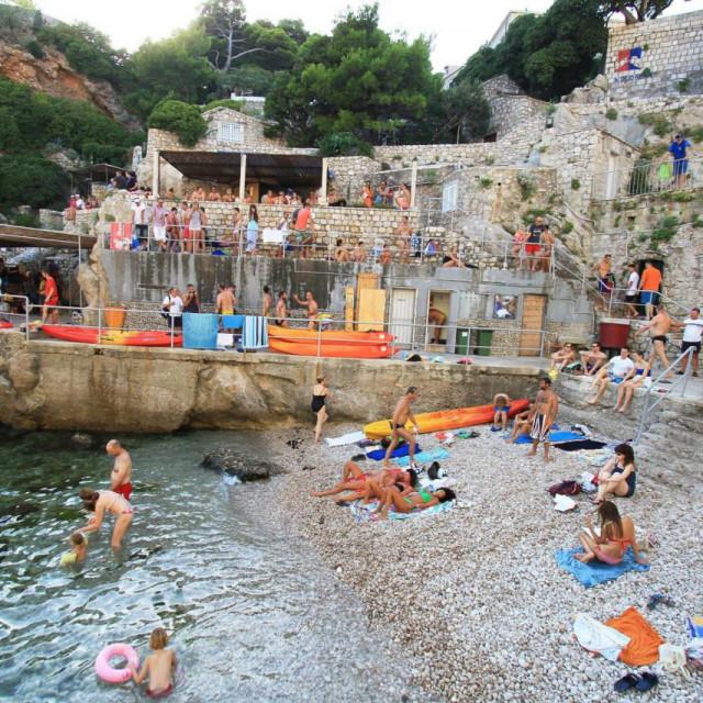 Sve više dubrovačkih plaža zagađeno fekalijama