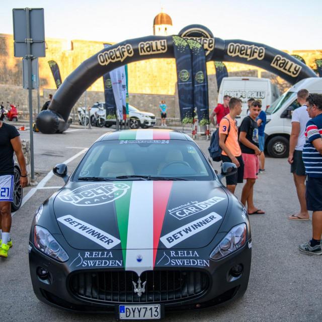Dubrovnik, 210820.<br /> Zapocelo je okupljanje luskuznih automobila u sklopu organizacije One life rally-a koji ove nedjelje krece sa Straduna u 11h.<br />
