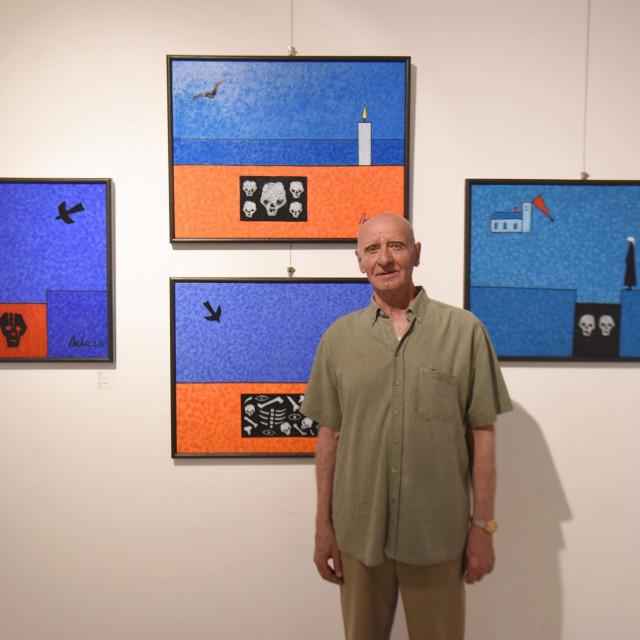 Na fotografiji: Mile Nekić, autor izložbe.<br />