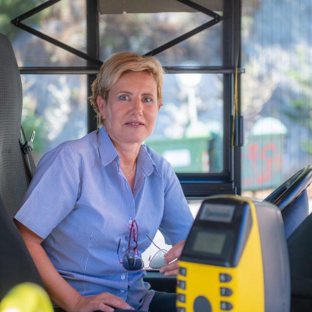 Snježana Miljević, vozačica autobusa javnog gradskog prijevoza 'Libertas', piše i zanimljive zgode iz autobusa