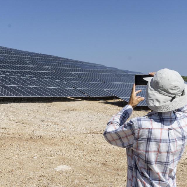 Solarna elektrana donijela bi novi život u Gdinj, smatraju akteri projekta<br />