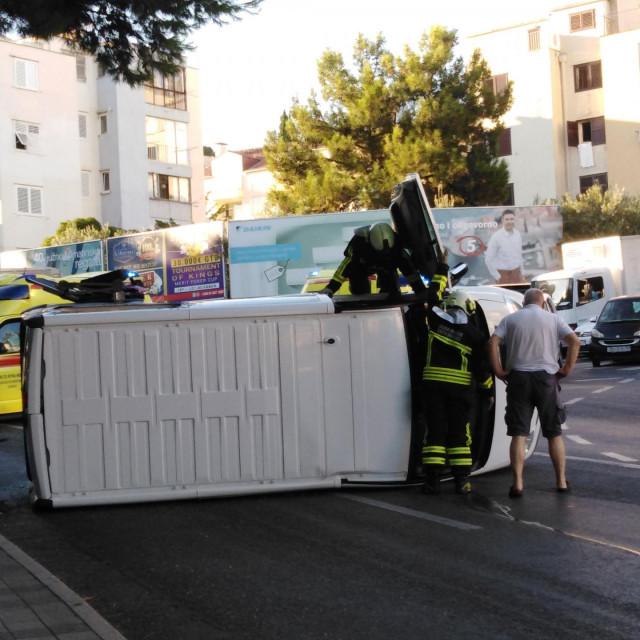 Prometna nesreća na skretanju za Opću bolnicu