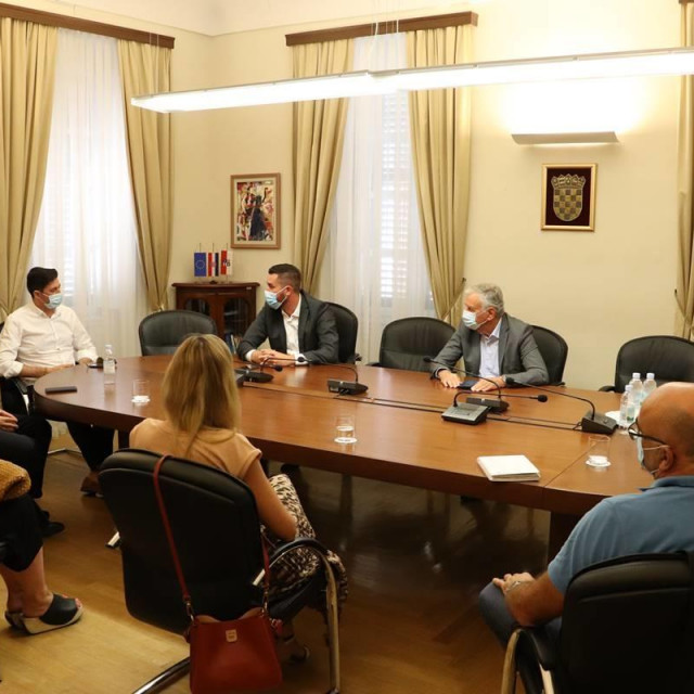 Dobroslavić i Cebalo, sastanak s poduzetnicima
