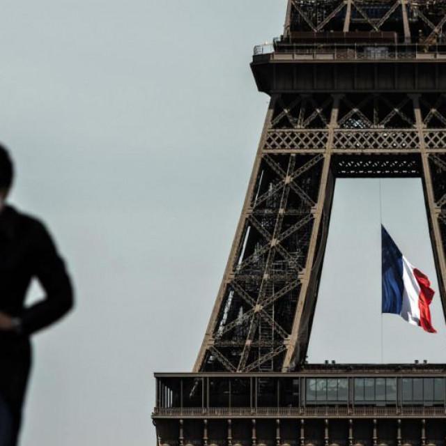 U Parizu obvezno nošenje maski i na otvorenom