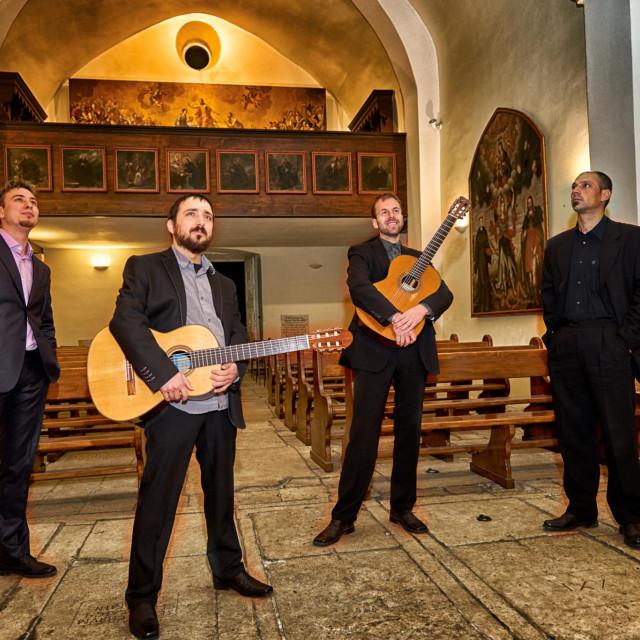 Kajo Milišić, Josip Dragnić, Goran Cetinić Koća i Martin Andrijašević,<strong> </strong>Splitski gitaristički kvartet<br /> MAG FESTIVAL