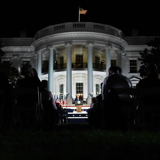 Ako ne prihvati poraz vojska Trumpa neće izbaciti iz Bijele kuće