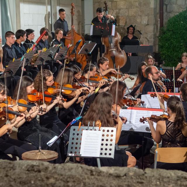 Koncert Orkestra glazbene mladeži Dubrovnika, park Umjetničke škole
