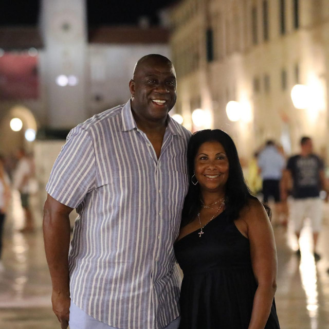 Magic Johnson na Stradunu sa suprugom