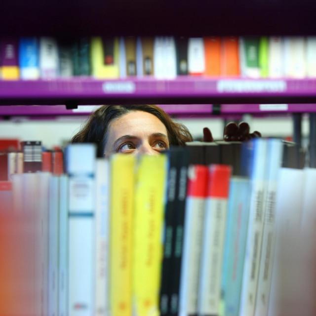 'Genijalne prijateljice', talijanske autorice Elene Ferrante, na trećem su mjestu po ovosezonskoj popularnosti