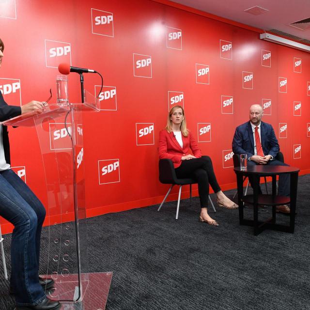 Prvo sučeljavanje kandidata za predsjednika SDP-a koje je vodila Ivanka Toma<br />