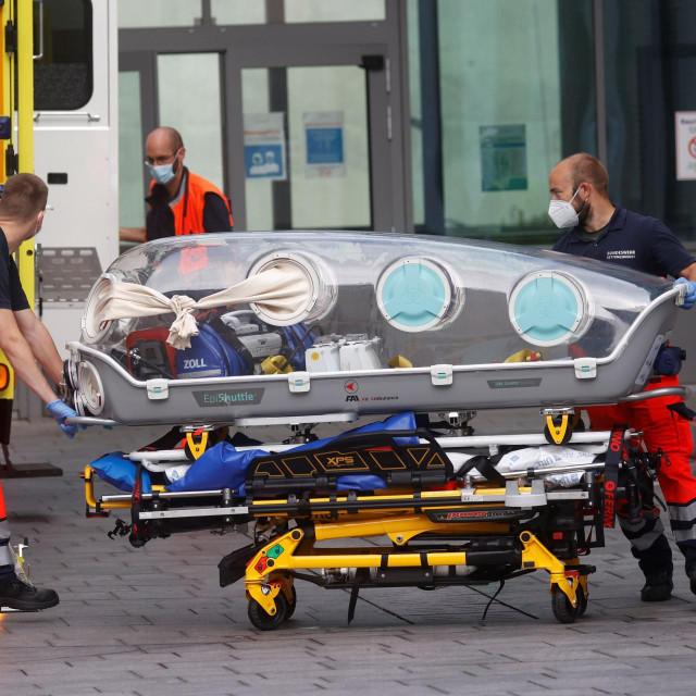 Navaljni je transportiran u Njemačku u teškom stanju