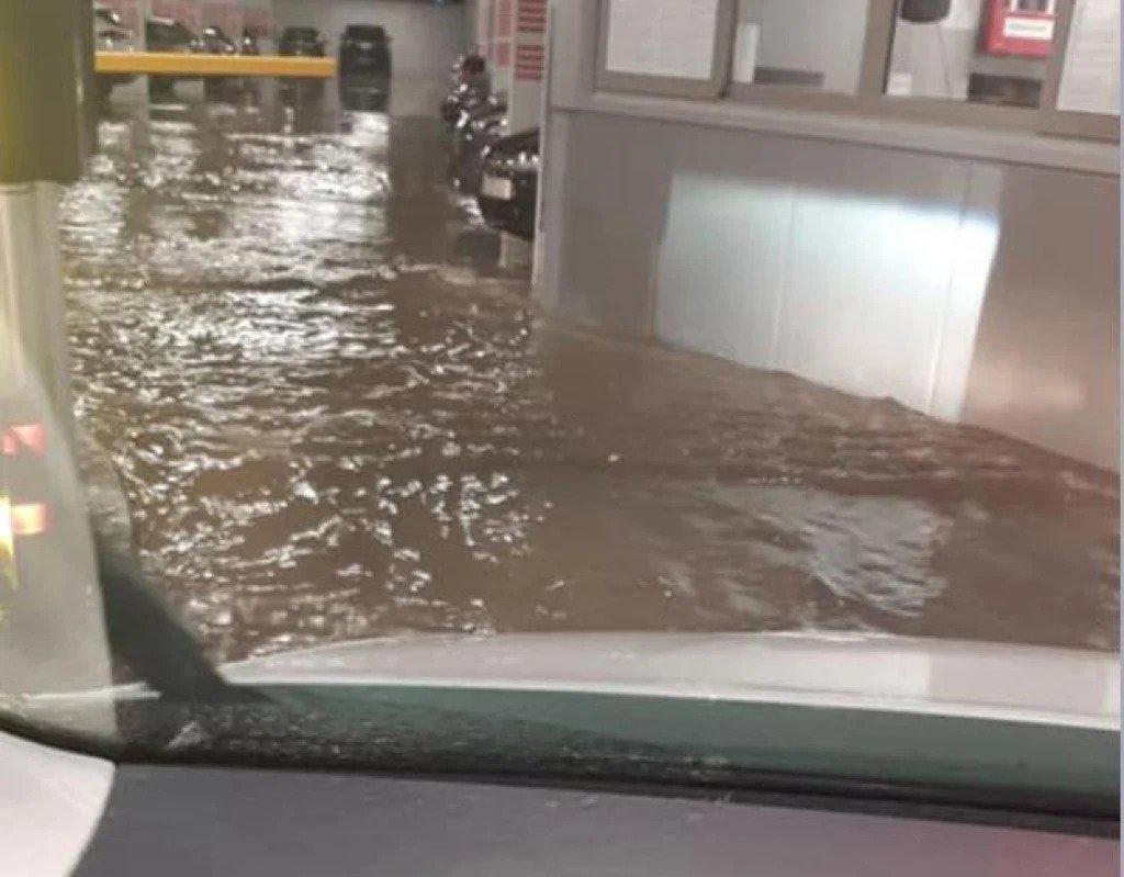 Jaka kiša poplavila je podzemnu garažu na Poljani