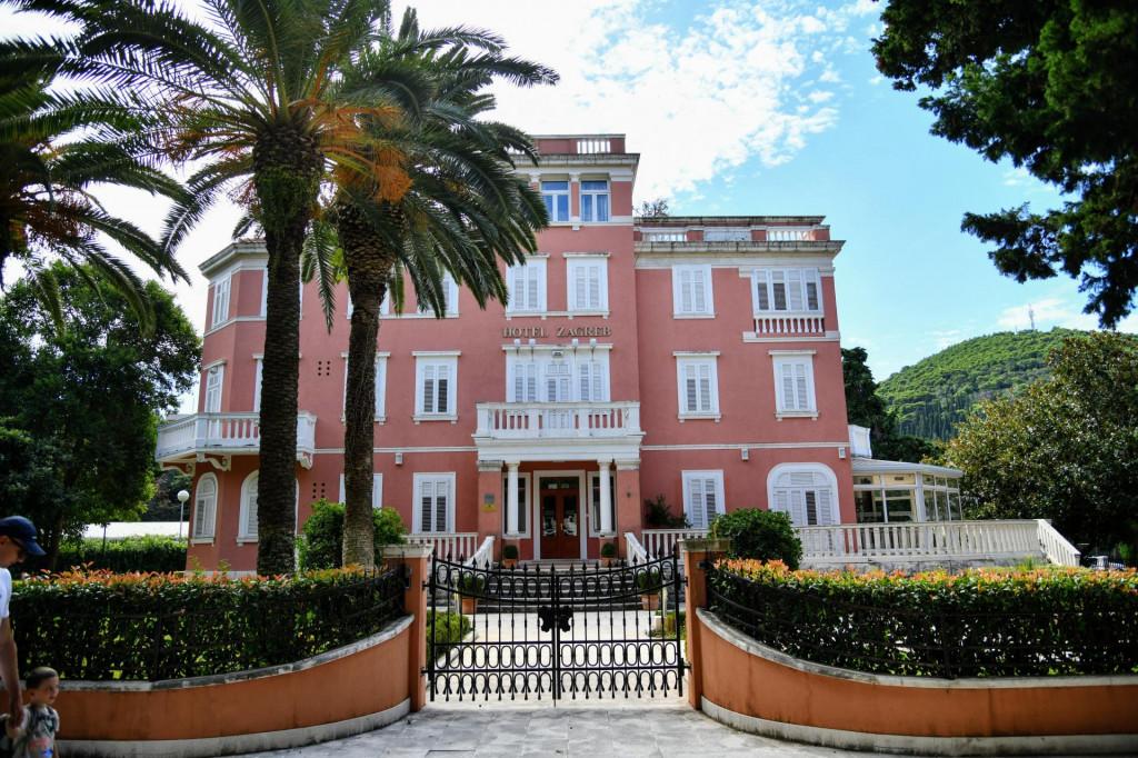 Dubrovacki Hotel Zagreb Zatvoren Do Daljnjeg Vlasnik Gradi Kucu U Konavlima I Uređuje Jakljan I Trsteno