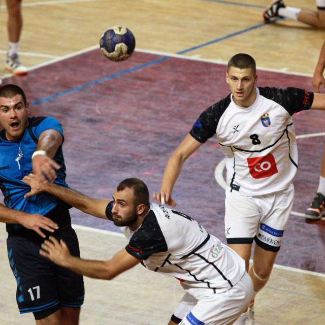 Pripremna utakmica: RKHM Dubrovnik - Izviđač (Ljubuški) 34:34 (17:19) foto: Tonči Vlašić