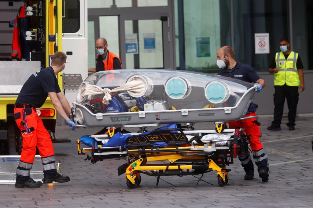 Transport Alekseja Navaljnog u berlinsku bolnicu Charite