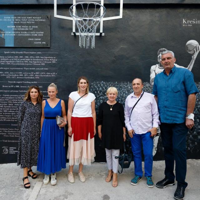 Iva Ćosić, Zdenka Zrilić, Ana i Ljerka Ćosić, Mladen Grdović, Stojko Vranković