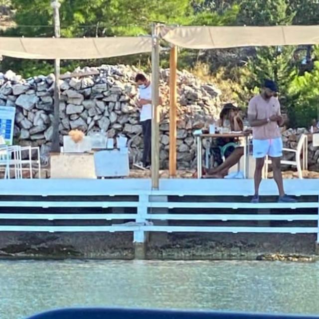 "Beyonce i Jay-Z na terasi restorana ""Fešta"" na Kornatima"