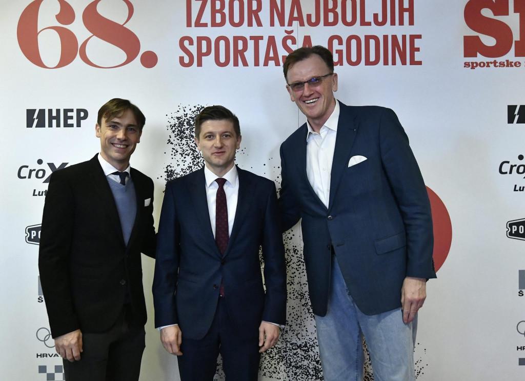 Tomislav Paškvalin u društvu sa Zdravkom Marićem i Darijom Šimićem